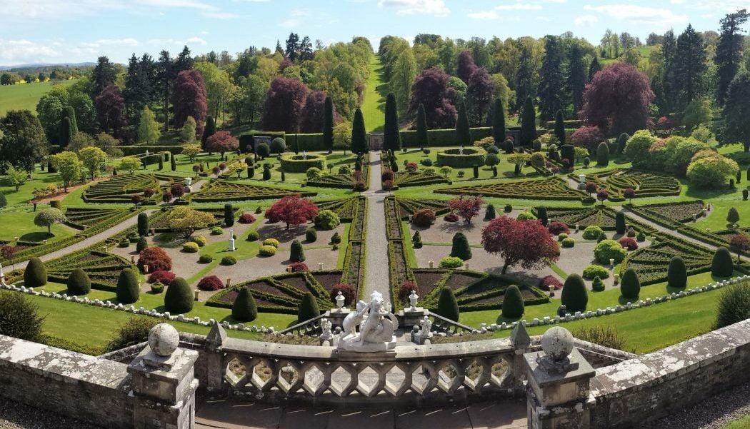 Drummond Castle Gardens - Outlander Tours from Inverness Edinburgh Glasgow